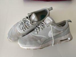 Nike ,weiße Sneakers Thea