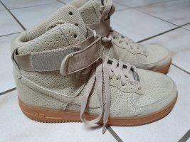 Nike WMNS Air Force 1 Hi Suede