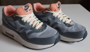Nike WMNS AIR MAX 1 CMFT PRM TAPE 36.5