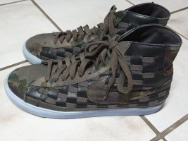 Nike WMNS Blazer High Camouflage Braun Liberty