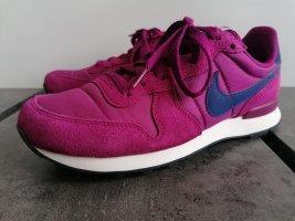 Nike wmns Internationalist true Berry blue void