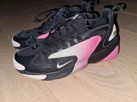 Nike Trampki klinowe czarny-różowy neonowy