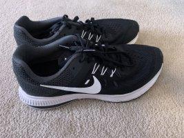 Nike Zoom Winflo 2 Sportschuh Gr. 38,5