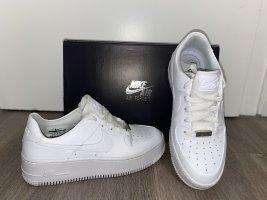 Nike Heel Sneakers white-natural white