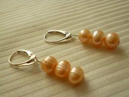Kolczyk z perłą jasnobeżowy