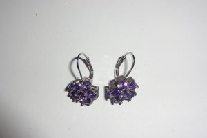 Dangle violet metal