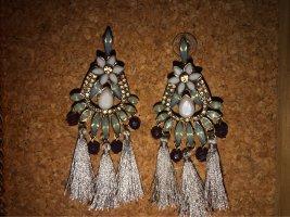 Ohrringe mit Steinchen