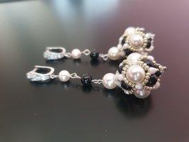 Ohrringe mit Swarovski-Perlen. Schmuck