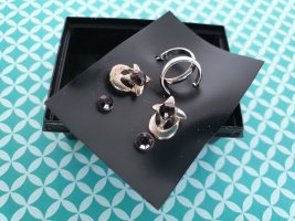 Zarcillo negro-color plata