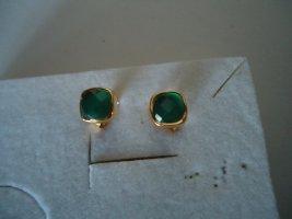 Ear stud green