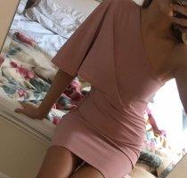 One shoulder Kleid in rosa