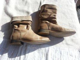 Online Stiefel Größe 37