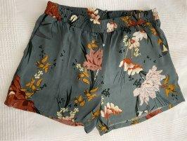Only High-Waist-Shorts multicolored chiffon