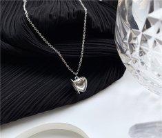Open heart Silberfarbene statement Halskette mit Herz Anhänger vintage retro handgemacht