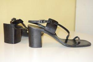 Gucci Sandalo con cinturino e tacco alto nero Pelle