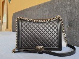 Chanel Bolso negro-color plata