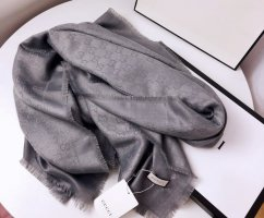 Original Gucci Schal neu mit Etikett