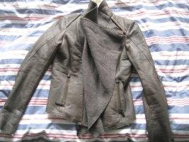 Veste en fourrure gris brun cuir