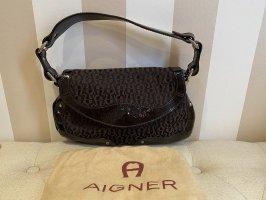 Originale Aigner Handtasche mit Aigner Monogram in dunkelbraun.