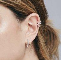 Otiumberg Diamant-Ohrring Huggie Hoop Weißgold