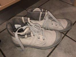 Palladium Boots in Größe 39 1/2