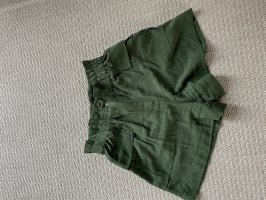 H&M Shorts verde bosque