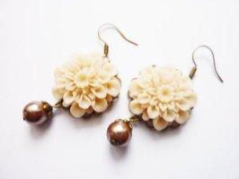 pastell Blüten Ohrringe mit Perlmutt Perle,vintage Nostalgie Romantik Schmuck Blütenschmuck
