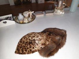 Cappello in pelliccia marrone-marrone scuro