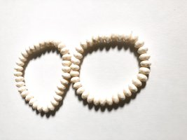 Brazalete de perlas blanco puro-crema