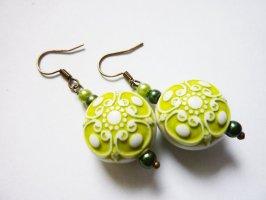 Perlen Boho Schmuck Ohrringe Ohrhänger grün weiss gemustert