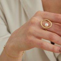 Zdobiony pierścionek złoto Metal