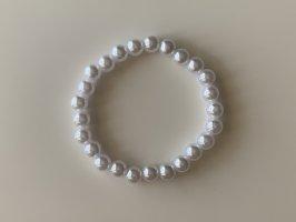 Bransoletki z perłami w kolorze białej wełny-biały