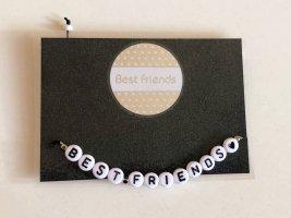 Bracelet en perles blanc-noir
