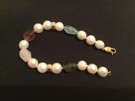 Perlenarmband mit Halbedelsteinen und vergoldete Zwischenteile, neu geknüpft!