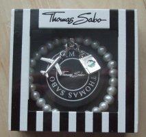 Perlenarmband von Thomas Sabo mit Anhängern