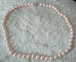 Collar de perlas rosa claro