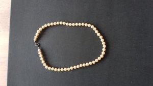 Naszyjnik z perłami kremowy