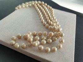Collana di perle beige chiaro-giallo chiaro
