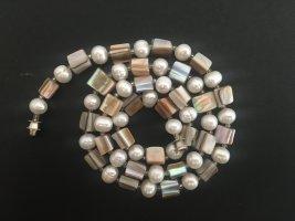Perlenkette von den Malediven
