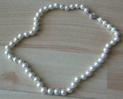 Perlenkette weiß - geknotet