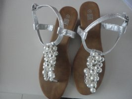Lucky Shoes Sandalo toe-post argento-bianco
