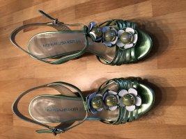 Perlmuttgrüne Sandaletten