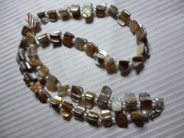 Shell Necklace sand brown