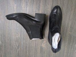 Pier One Leder Stiefeletten Chelsea Boots Gr. 40 schwarz