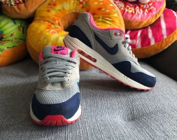 Pink graue Nike Air Max 39