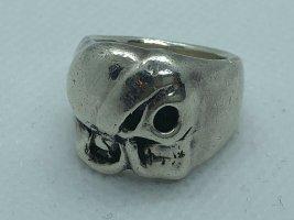 Anillo de plata gris claro metal