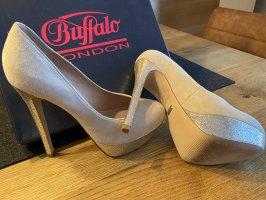Buffalo London Platform Pumps cream