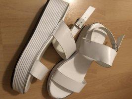 Plateauzool sandalen wit