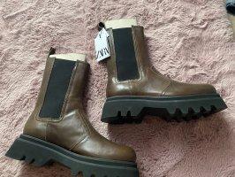 Plateau schwarz braun Echtleder NP 120€ nagelneu Größe 40 Fashion leichte Sohle
