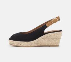 s.Oliver Platform High-Heeled Sandal black